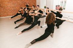 Взрослый балетный класс на растяжке