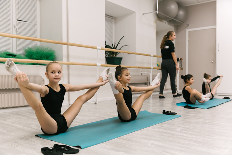 гимнастические упражнения у школьников