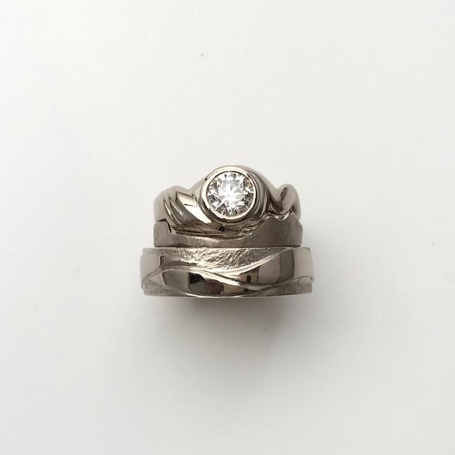 West coast inspired wedding ring set