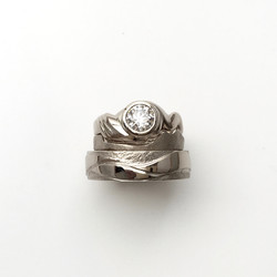 West coast inspired 750 White gold and Diamond Engagement ring