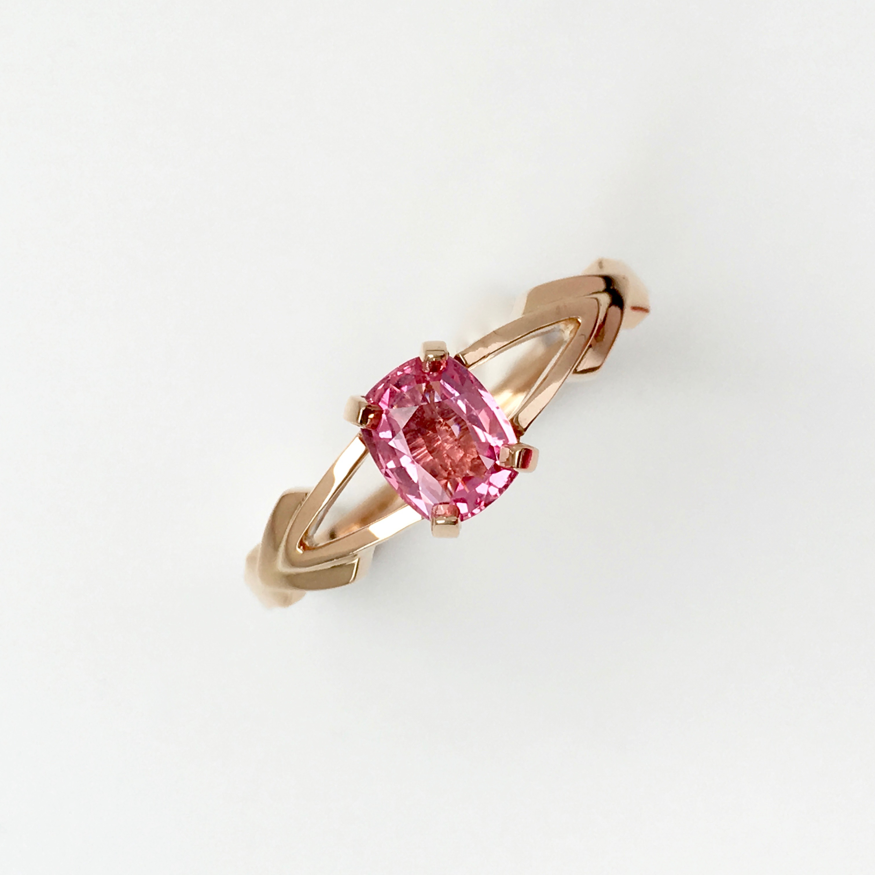 Engagement and Wedding band set, 750 Rose Gold and Pink Sapphire