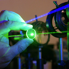 Lasers destroy plaques in Alzheimer's