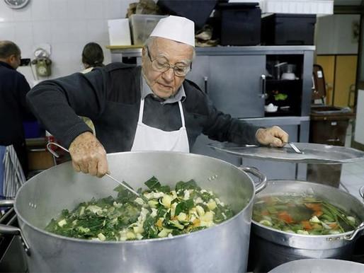 Dino, 90, feeds Rome's homeless
