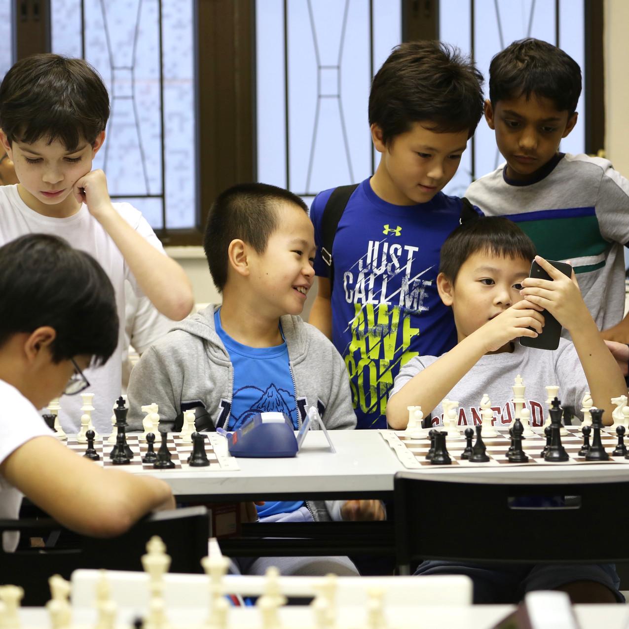 SOS 2018 - break time boys Caissa Chess.