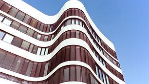 Diseñado edificio moderno