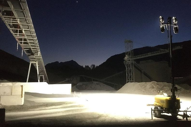 Lichtmast 4xBEAM NORDRIDE 4420_@work.jpg