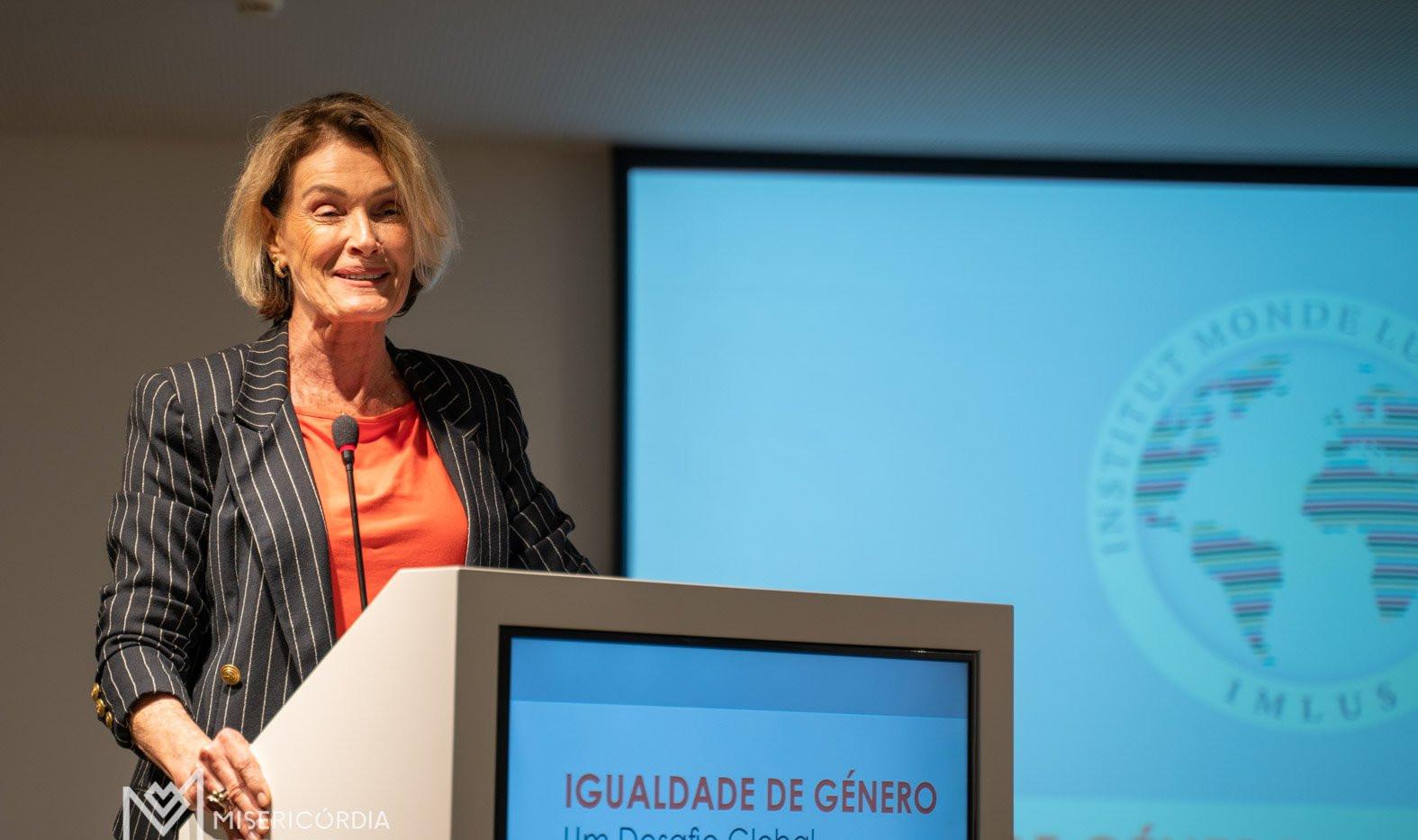 Dra Maria Alice Medina, Escritora e Fund