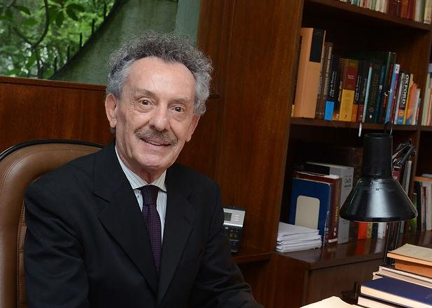 Guido Arturo Palomba .jpg