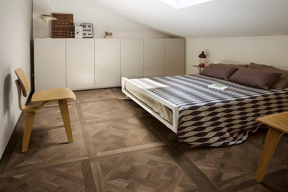 The warm looks of wood, the durability of porcelain