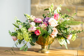 Relaxed yet elegant table centrepiece flowers at Harewood House - The Hovels in Yorkshire