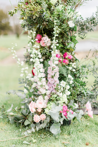 Wedding flowers at Capheaton Hall Norhtumberland