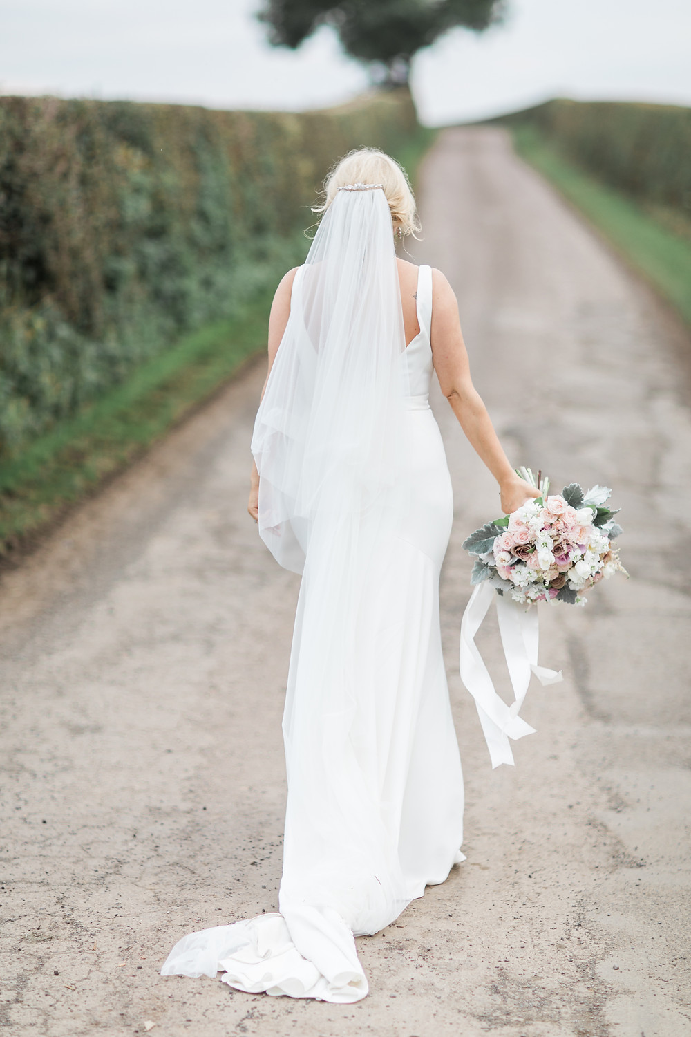 doxford barn wedding northumberland bride bouquet