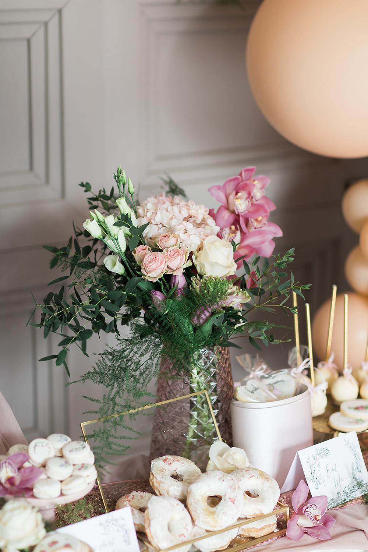 Wedding Flowers balloons balloon display pink blush rose gold luxe luxurious monogram sign cake dessert charlton hall northumberland florist