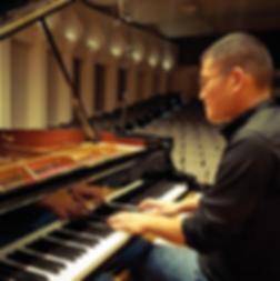 Tomo Piano USA.bmp