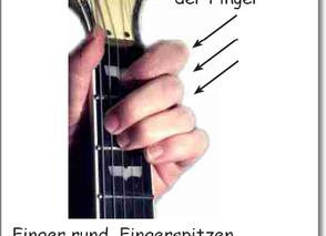 Erste Griffe: Finger senkrecht aufsetzen!