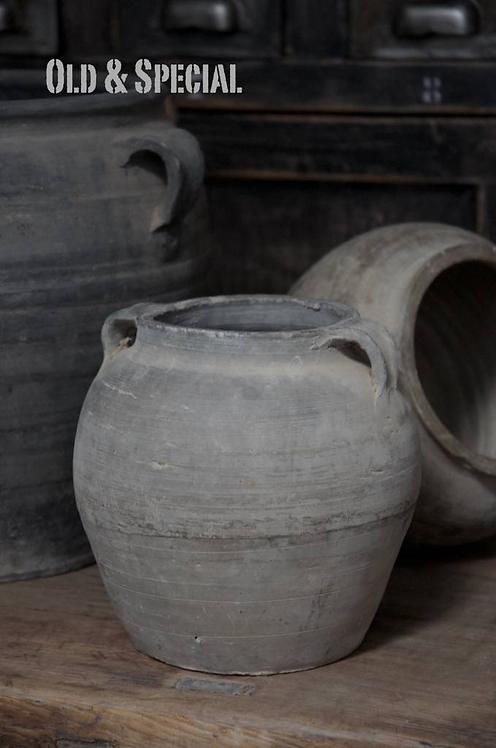 Oud terracotta kruikje