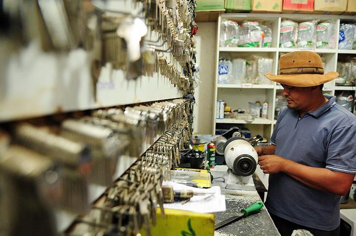 Projeto suspende pagamento de tributos por pequenas empresas