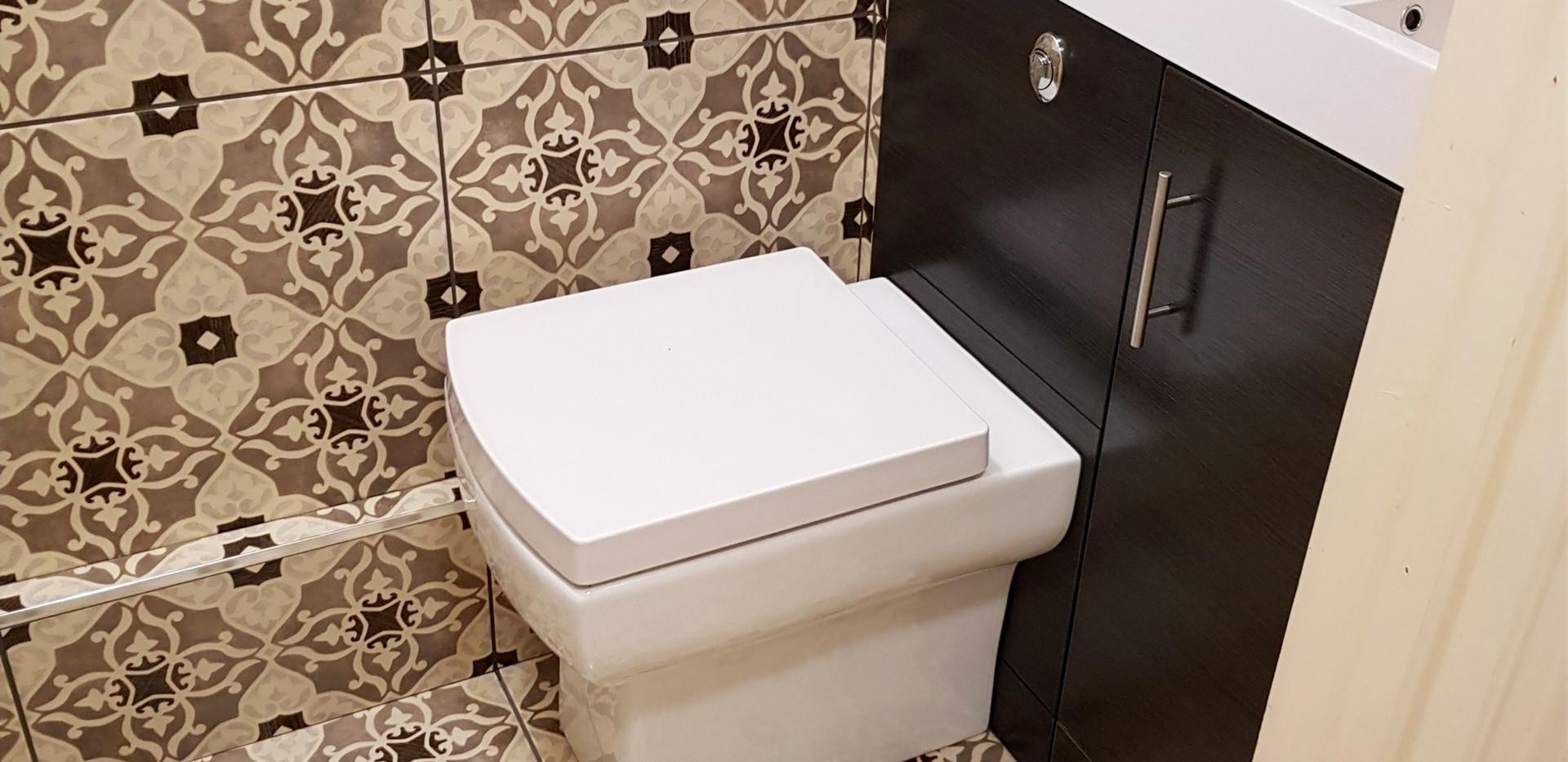 Cloakroom toilet sink tiling