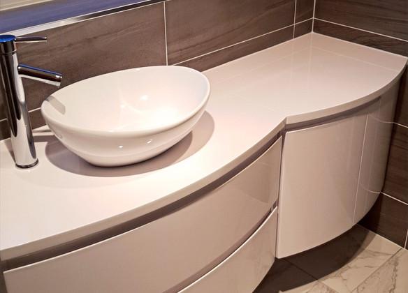 bathroom tiling and flooring