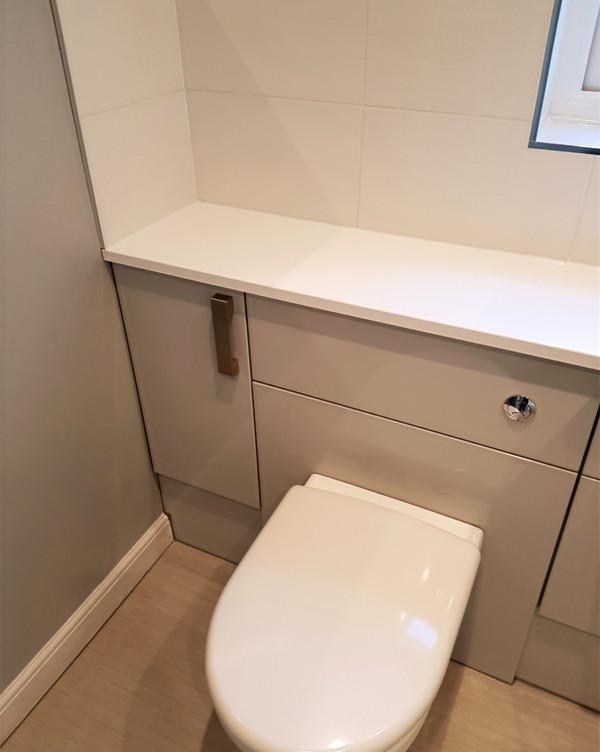 Bathroom toilet unit tiling flooring