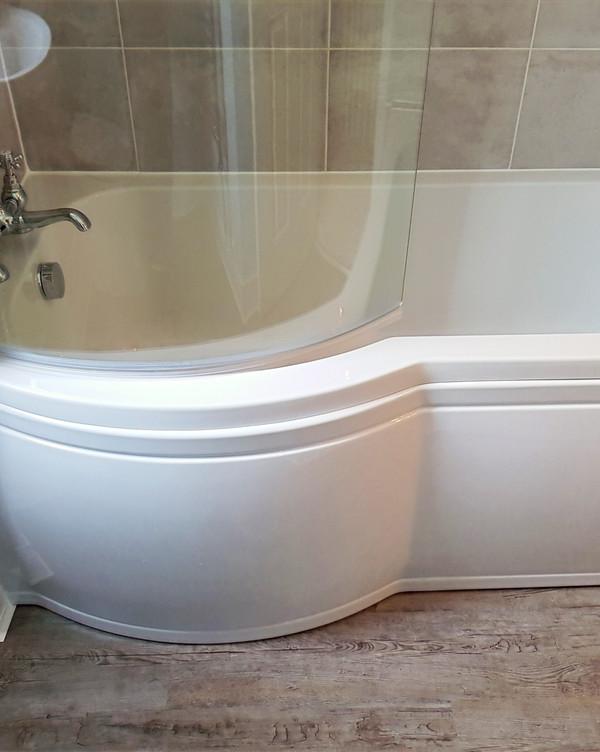 Bathroom D bath shower flooring tiling