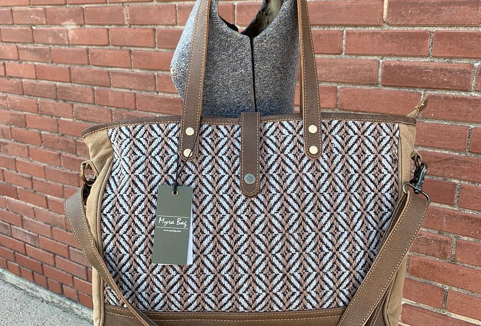 Exquisite Move Weekender Bag
