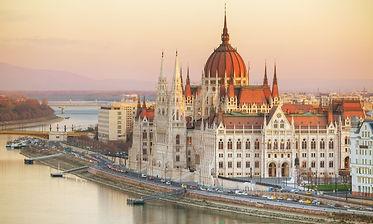 hongrie-budapest-parlement-hongrois-venice-simplon-orient-express.jpg