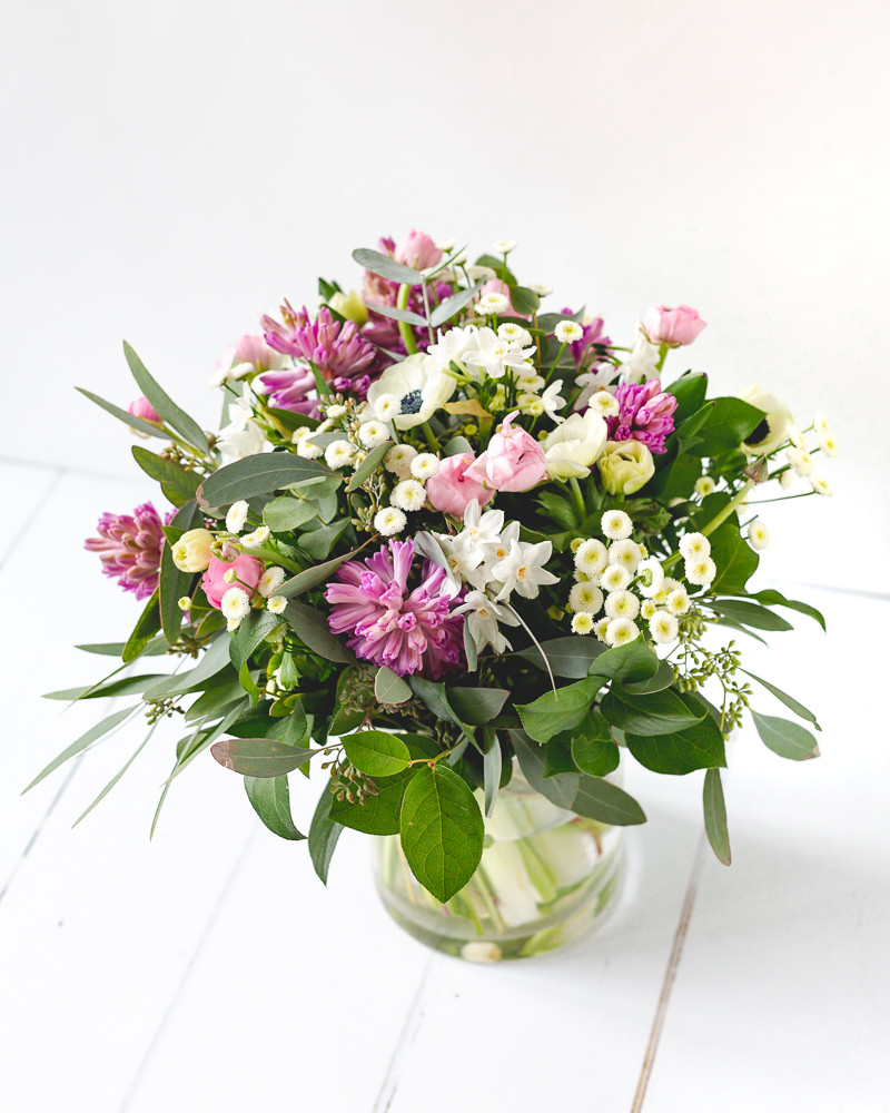 Moonflower Cobham Florist | Mothers Day Flower Delivery Cobham | Oxshott | Leatherhead |Esher