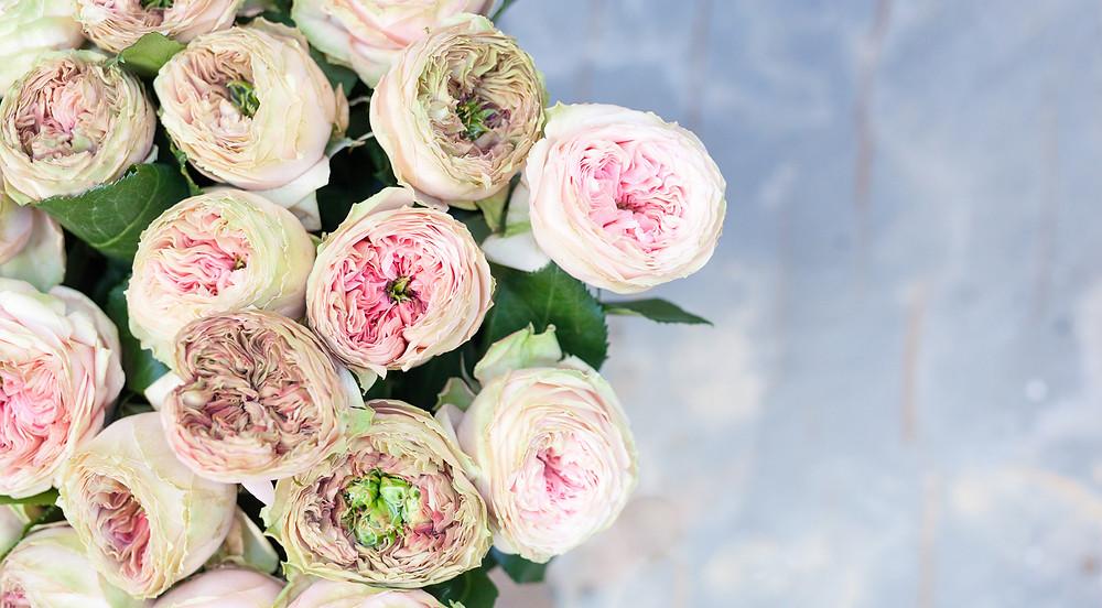 Cobham Florist | Flowers for Valentine's Day Delivery Cobham, Esher, Leatherhead, Weybridge, Oxshott