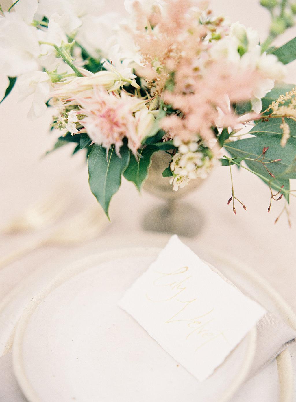 floral table details