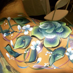 Body-Painting  Roses