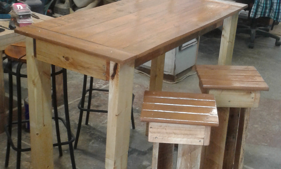 Outdoor Table & Stool - Made out of lightwood