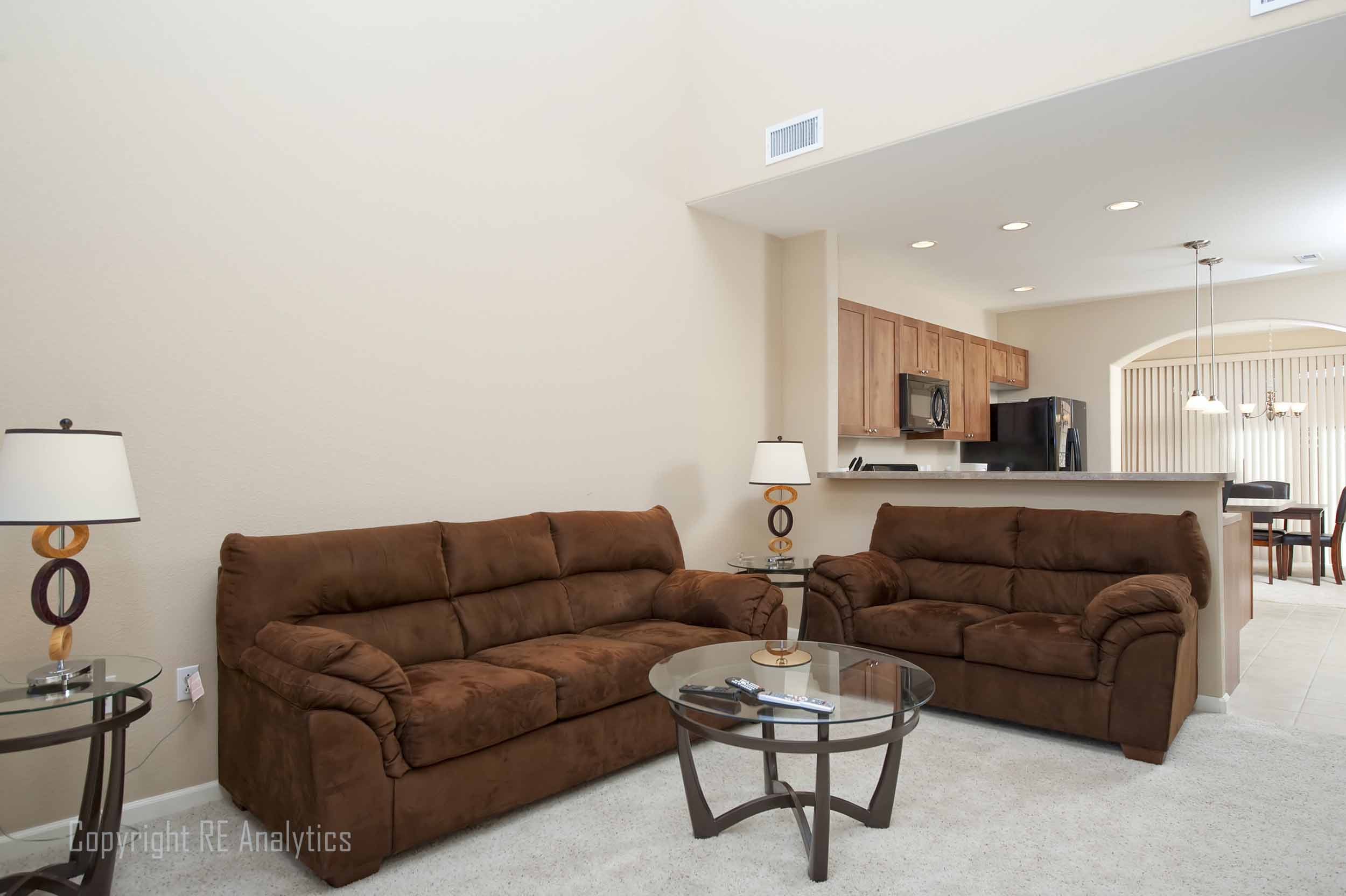 Living Room 03-1.jpg