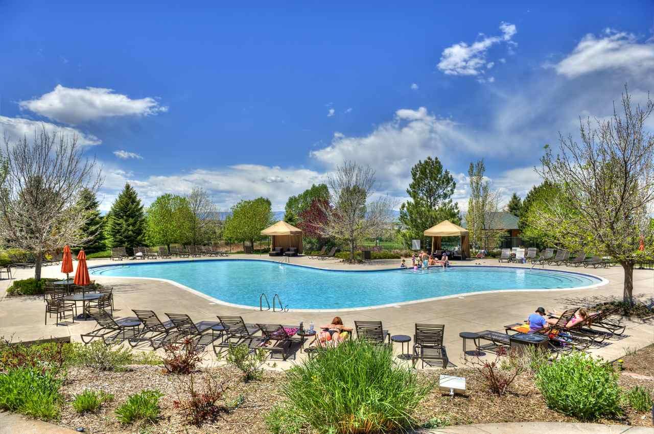 Resort Like Pool 58.jpg