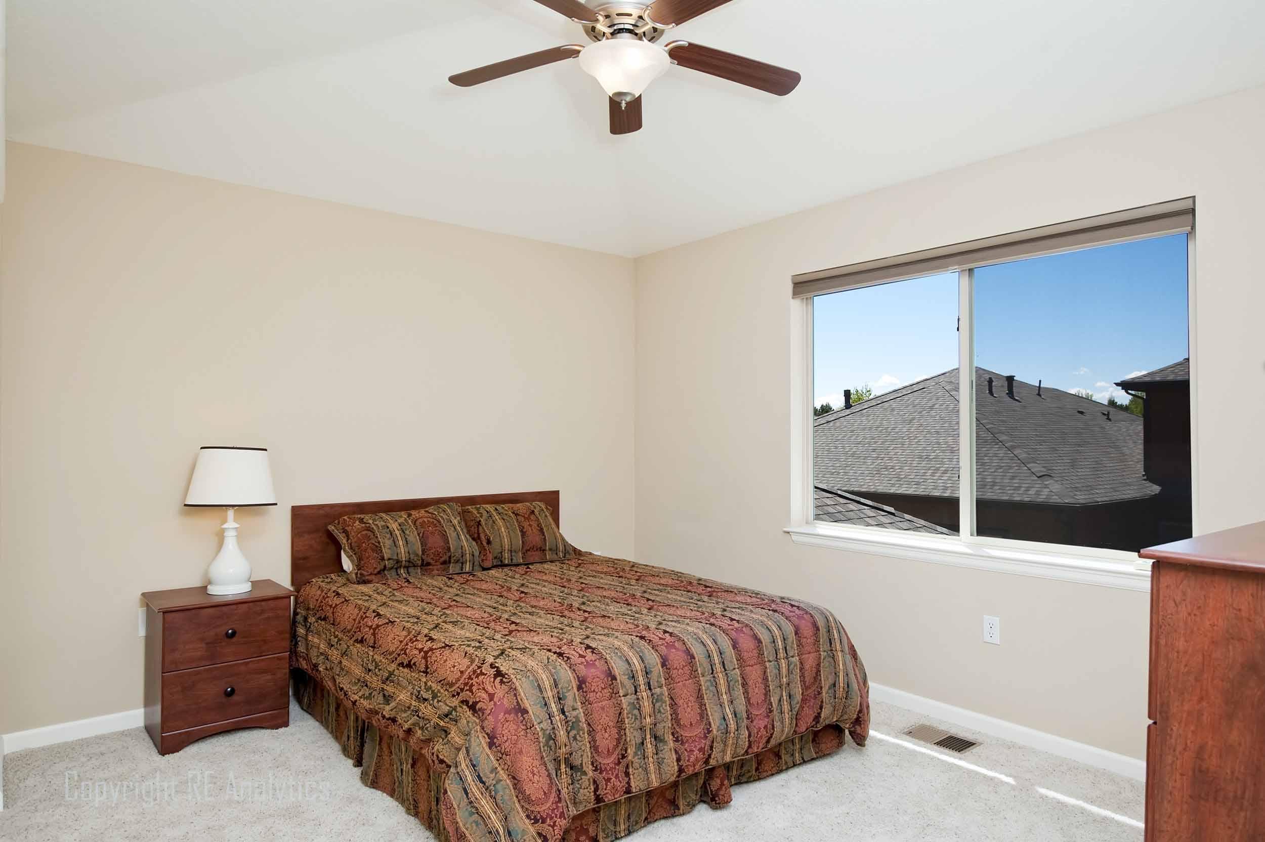 Bedroom 2 Up 24a.jpg