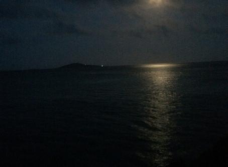 満月の光で、翡翠を浄化してみる。