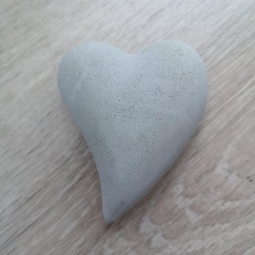 coeur en béton - brut (allongé)