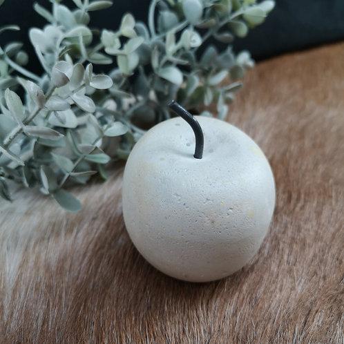 petite pomme en béton