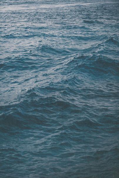 ocean%20wave%20photography_edited.jpg