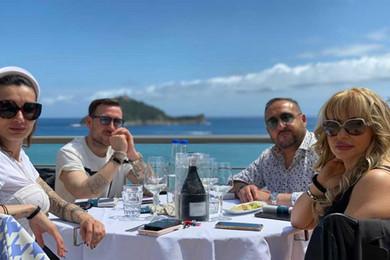 lunch_terrace2.jpg