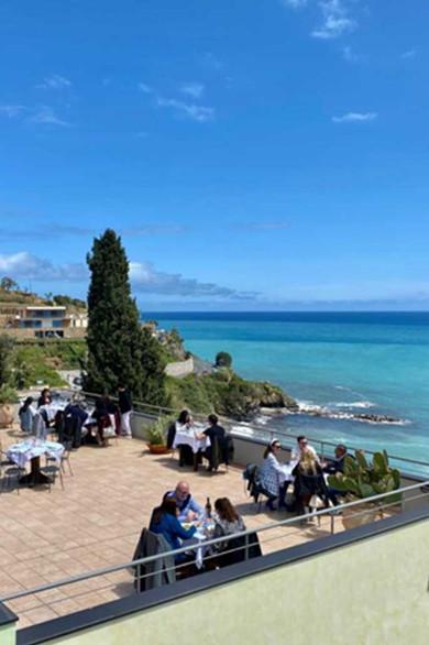 lunch_terrace4.jpg