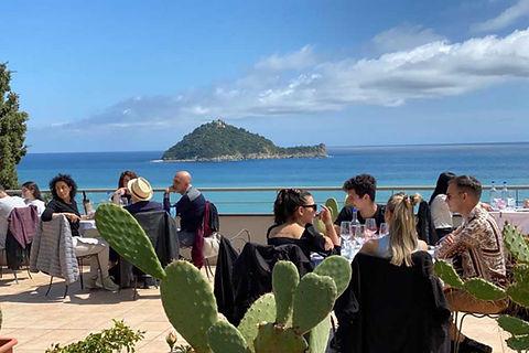 lunch_terrace.jpg