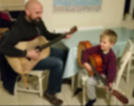 Teaching guitar to children in shorter private lessons