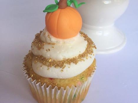 Gold Pumpkin Cupcakes