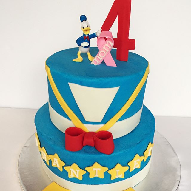 Donald Duck Themed Birthday Cake