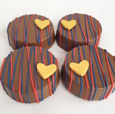 Red & Blue Chocolate Covered Oreos with Gold Fondant Hearts