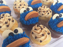 Cookie Monster & Cookie Dough cupcakes