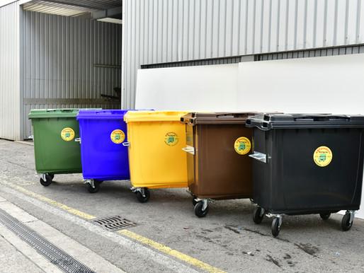 Container Aktion: Neuer Kunststoffcontainer 770lt mit einem praktischem Fusspedal
