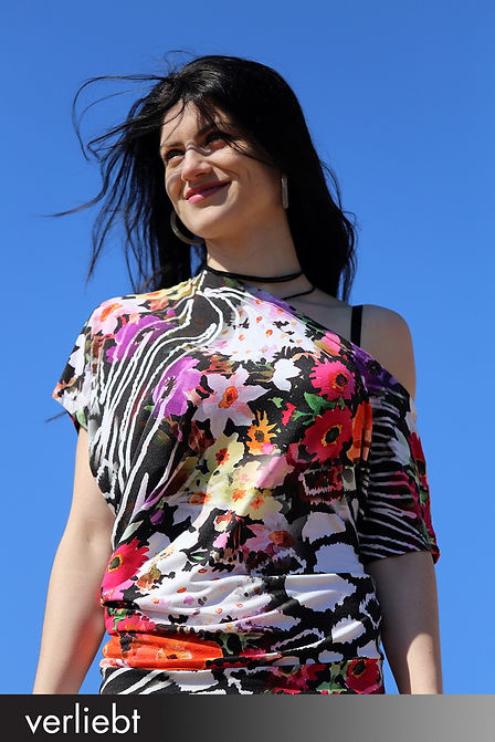 Verliebt_dresscode_Foto_Ajla_Heil_grau_0