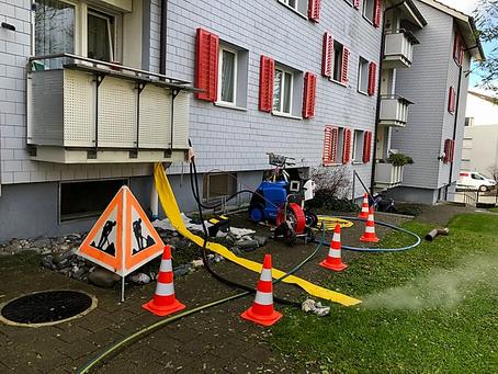 Dachwasserleitung undicht - Inlinersanierung in Uster (ZH)